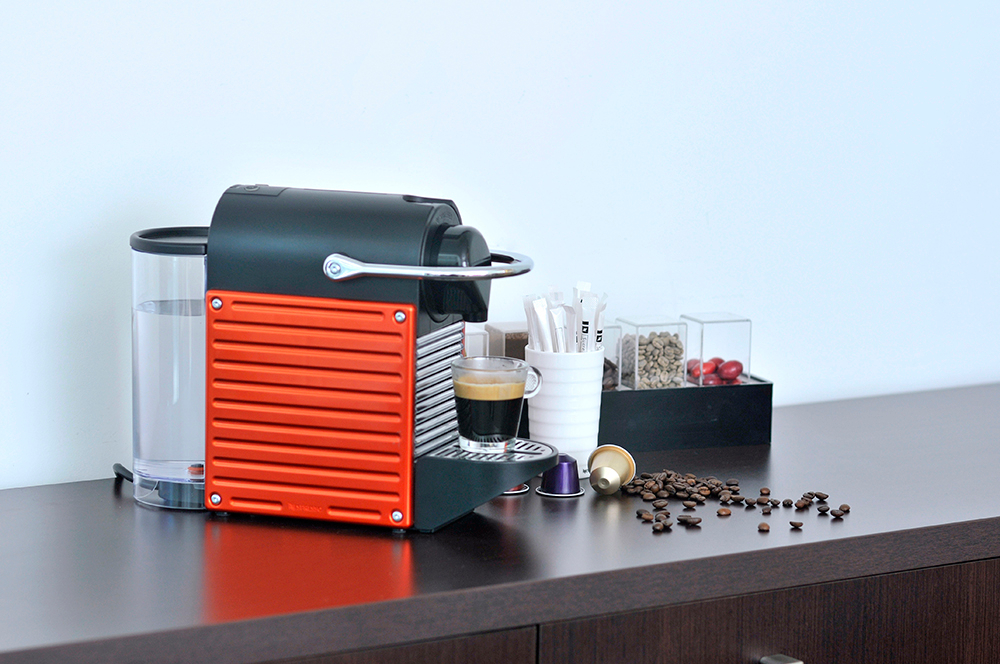 Cafetera Nespresso Pixie Red + Aeroccino | Paris
